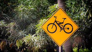 colombia-bicycle-warning-sign